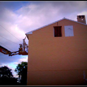 Naranjas navelate y restauración de la fachada del huerto